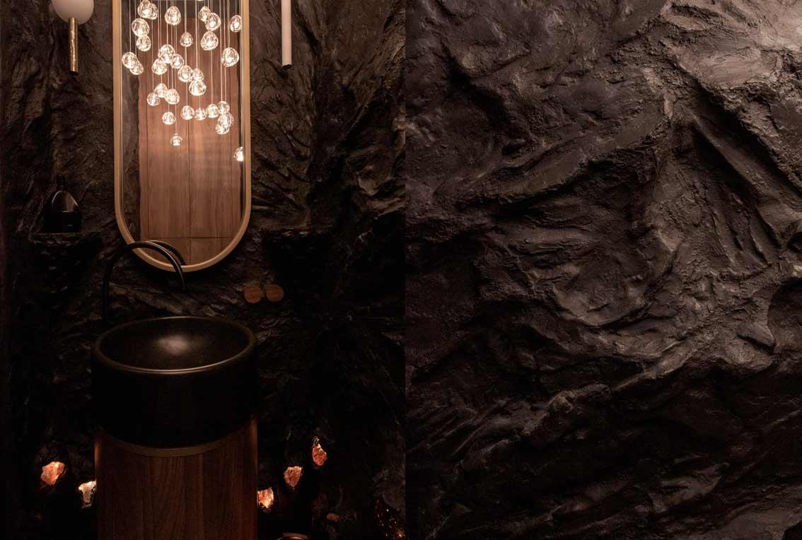 Сочетание барельефа, встроенной нижней подсветки через камни, умывальник, зеркало-08